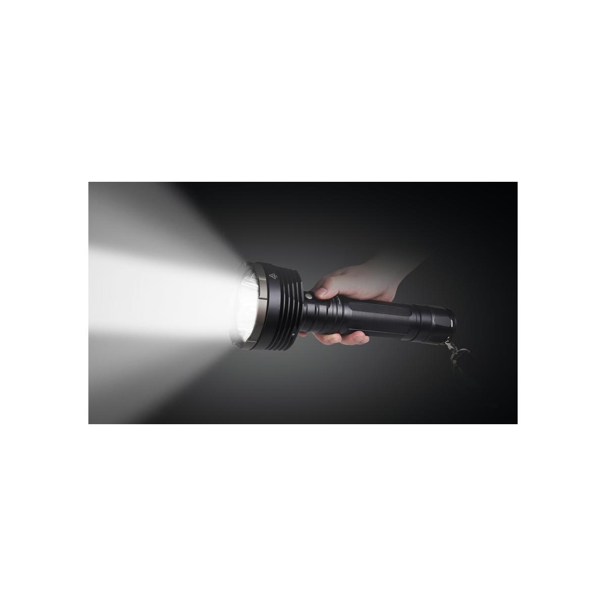 Lumens Led 6000 Lampe Torche Rechargeable CxoeWQrdB
